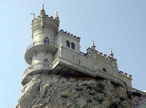 Крым. Замок Ласточкино гнездо.