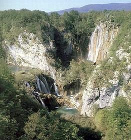 Отдых в Хорватии. Плитвицкие озера.