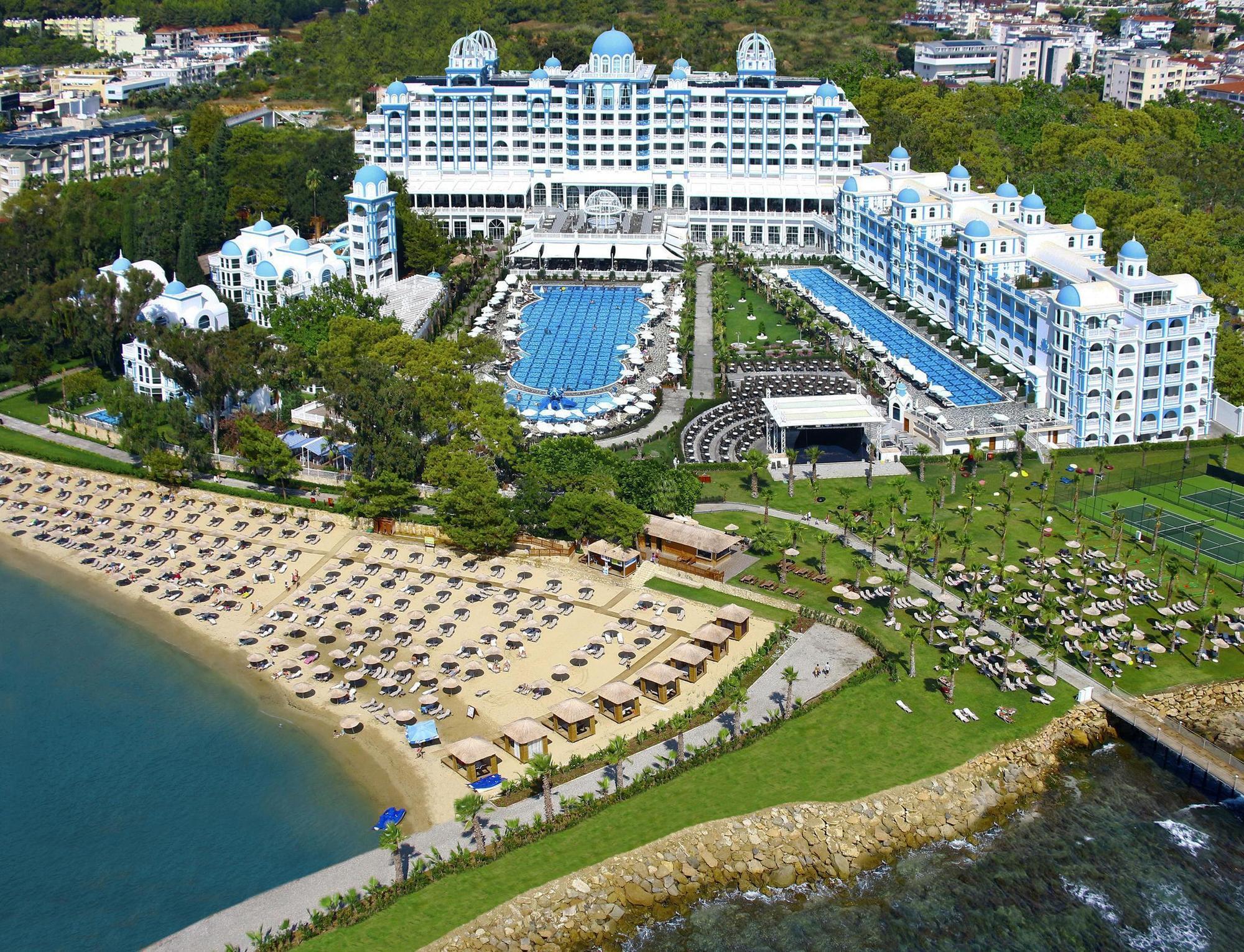Фото отеля Rubi Platinum Spa Resort & Suites 5*