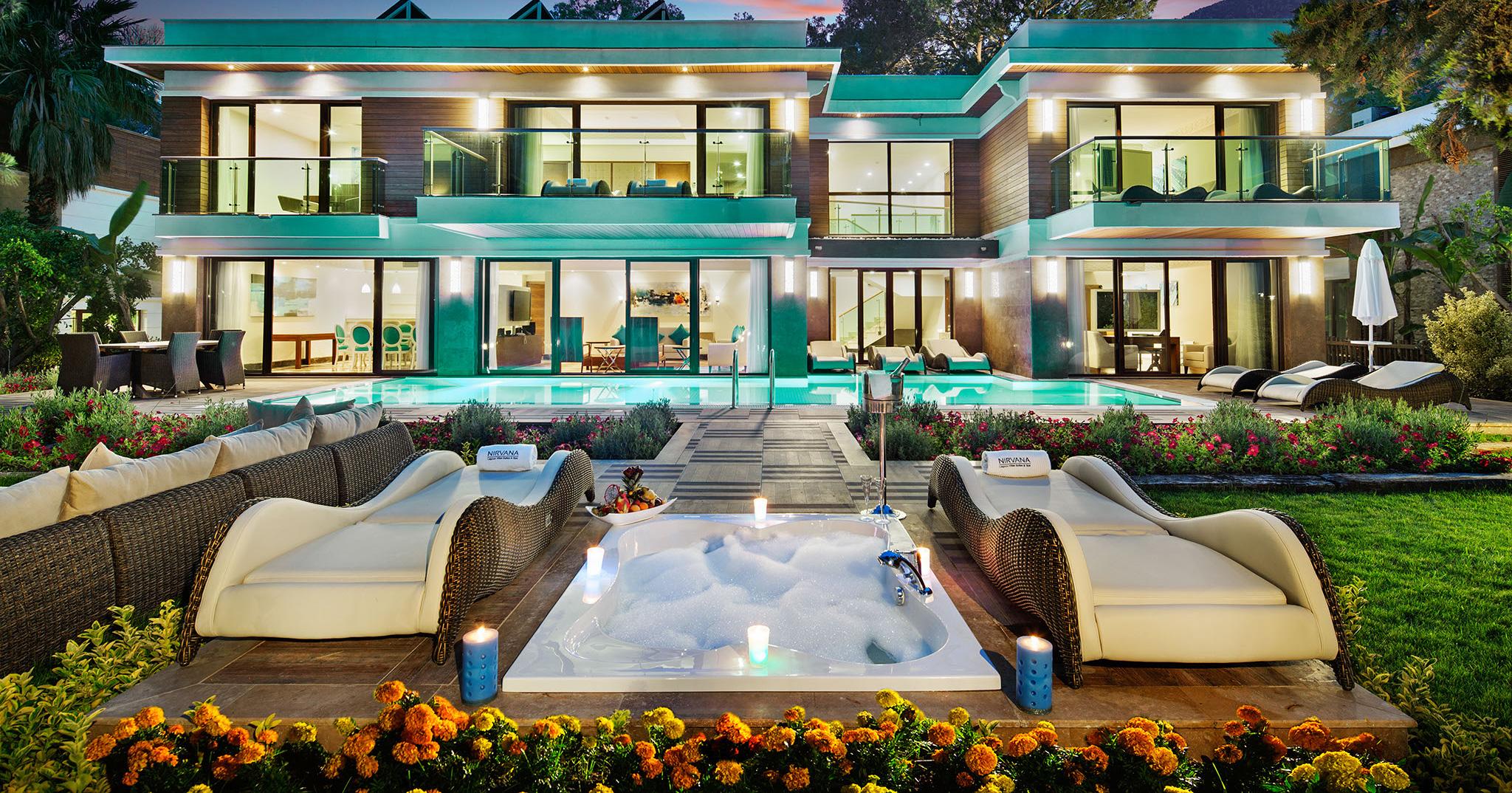 Фото отеля Crystal Nirvana Lagoon Villas Suites & Spa 5*