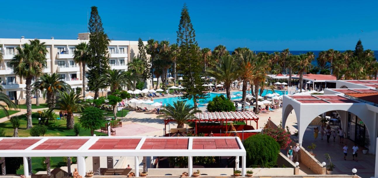 Фото отеля Louis Phaethon Beach 4*