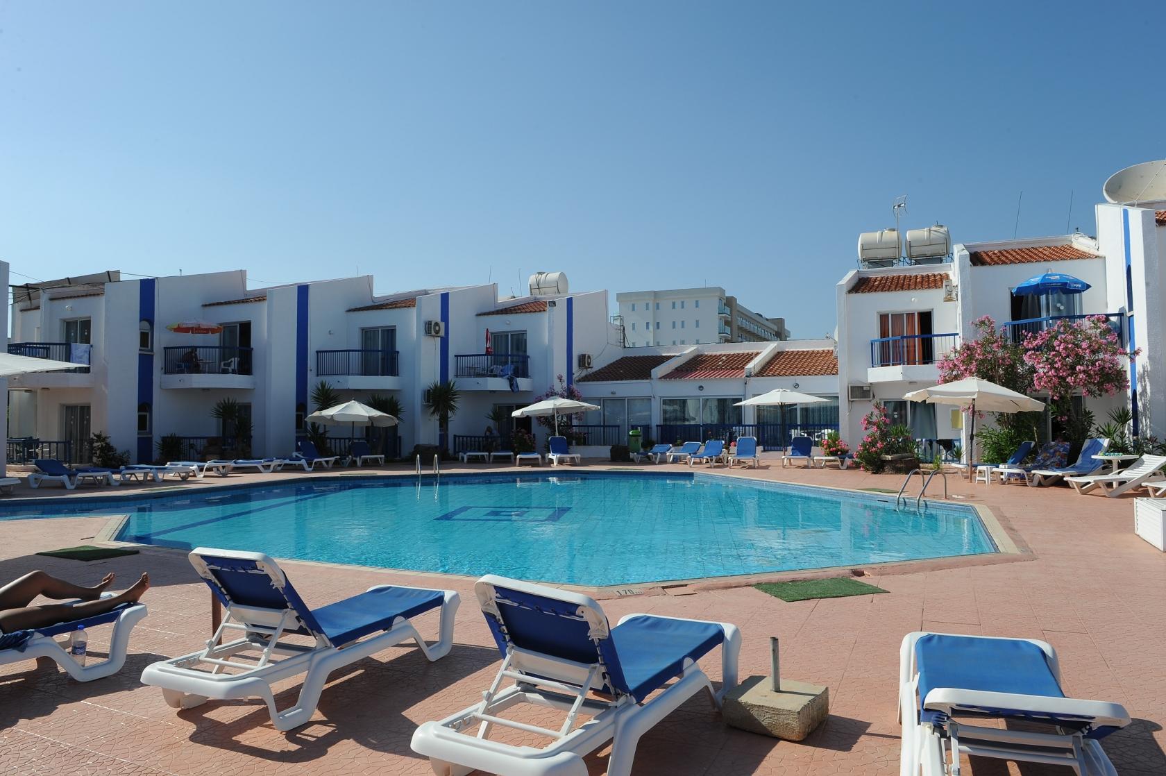 Фото отеля Alexia Apartments 3*