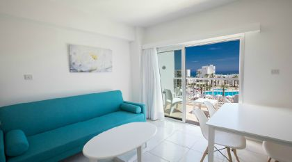 Фото 4* Papantonia Hotel Apartments