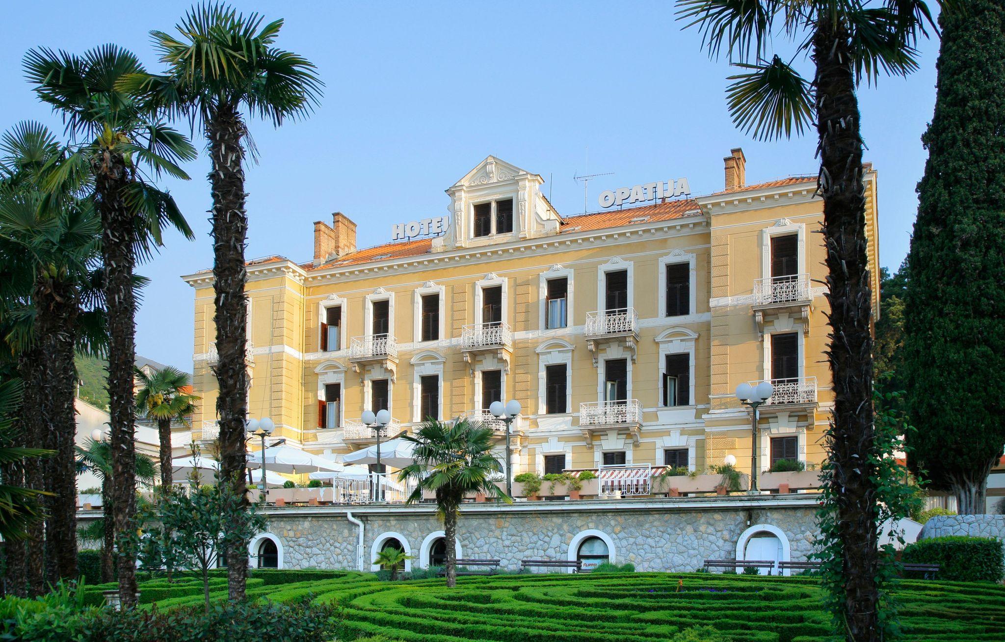 Фото отеля Opatija 2*