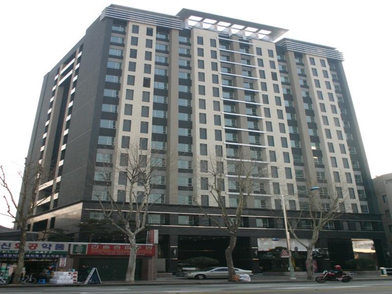 Фото отеля Western Coop Residence 3*