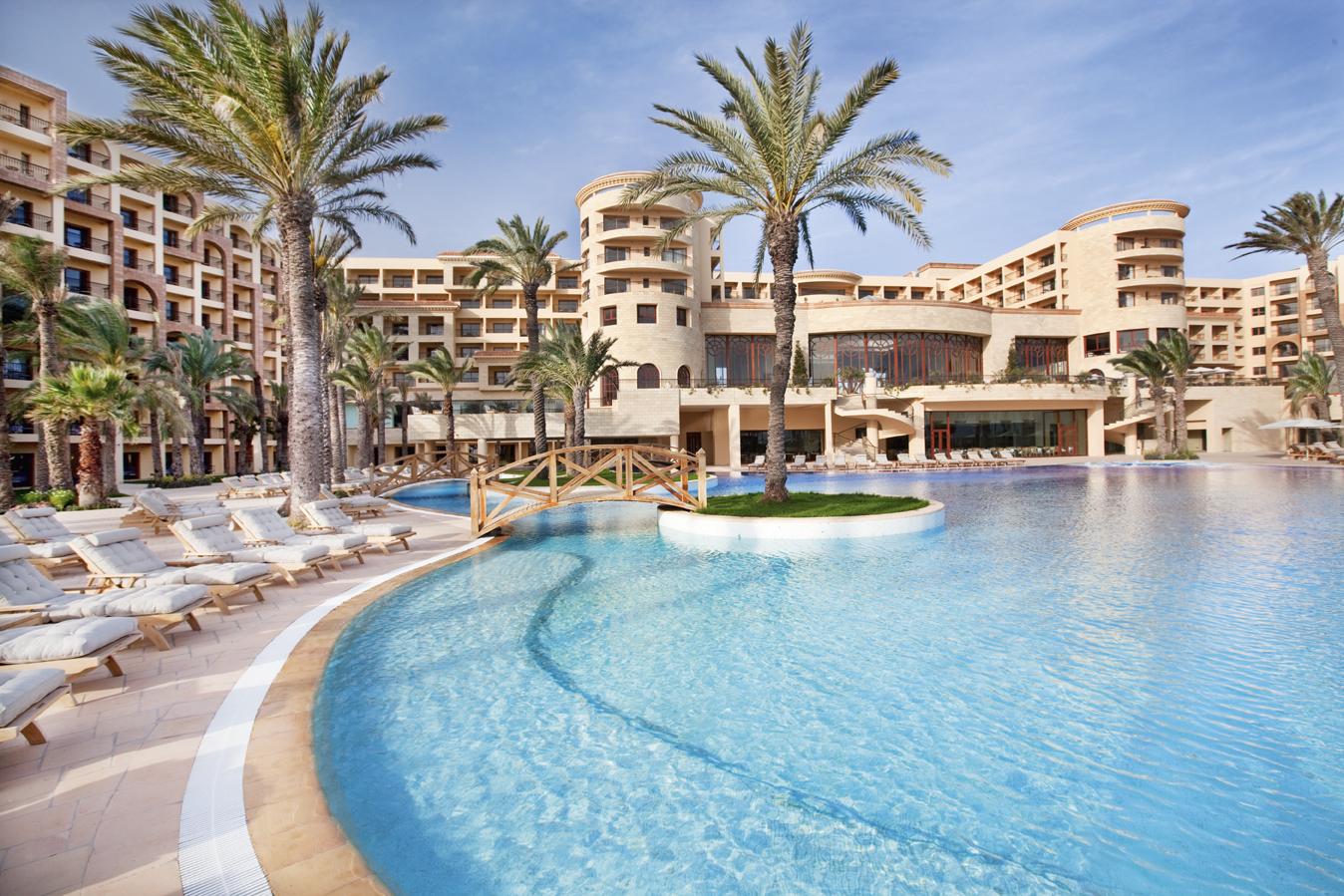 Фото отеля Movenpick Resort & Marine Spa 5*