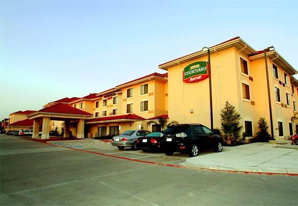 Фото отеля Courtyard by Marriott Houston West University 3*