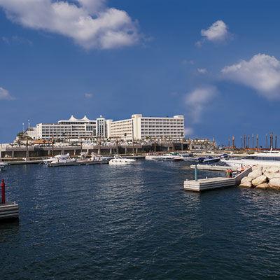 Фото отеля Moevenpick Hotel & Resort Beirut 4*