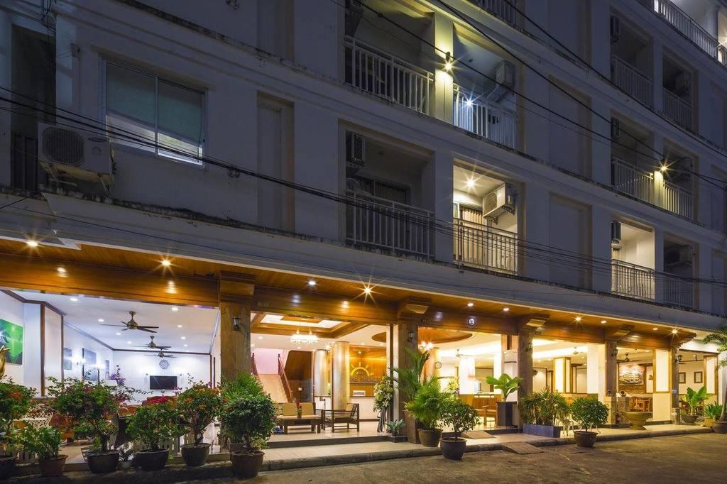 Фото отеля Azure Phuket Hotel 3*