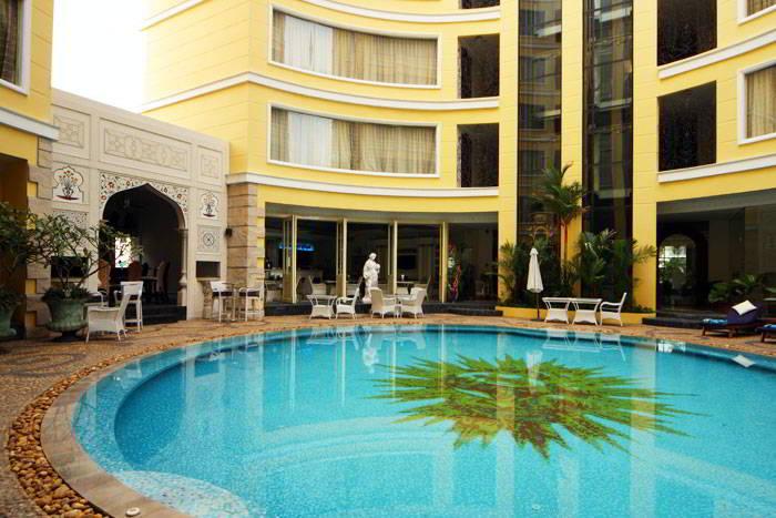 Фото отеля Four Seasons Place 4*