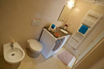 ���� 4* Lesser Town Square Apartments
