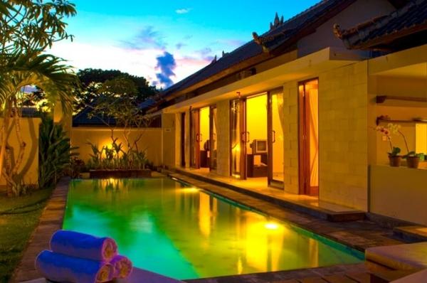Фото отеля De Abian Villa 2*