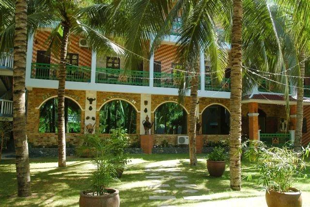 Фото отеля Palmira Beach Resort & Spa 4*