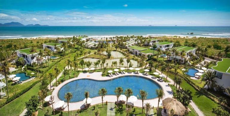 Фото отеля Cam Ranh Riviera Beach Resort & Spa 5*