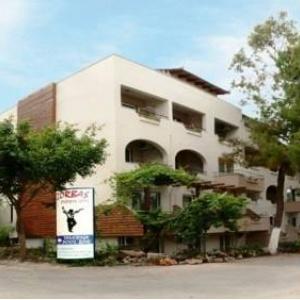 Фото отеля Zorbas Hotel 2*