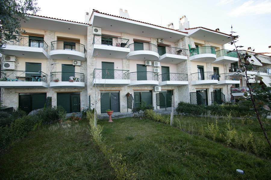 Фото отеля Erato Kriopigi Apartments 2*
