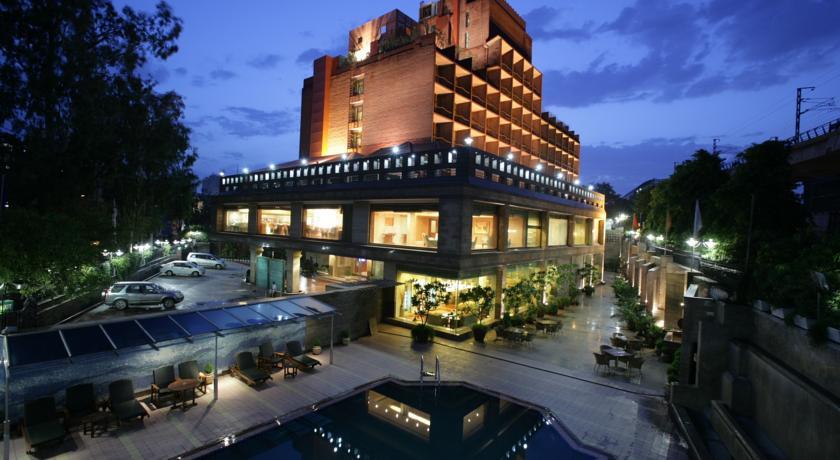 Фото отеля Jaypee Siddharth 5*