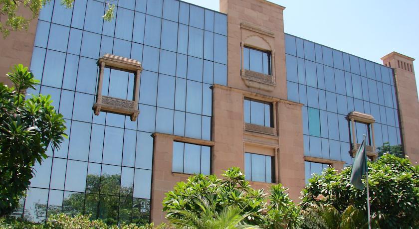 Фото отеля Mansingh Towers Jaipur 5*