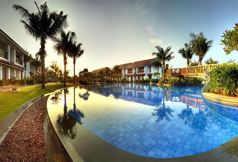 Фото отеля Radisson BLU Resort Temple Bay Mamallapuram 5*