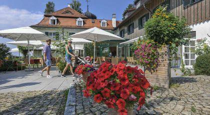 Фото отеля Schlossgut Oberambach -