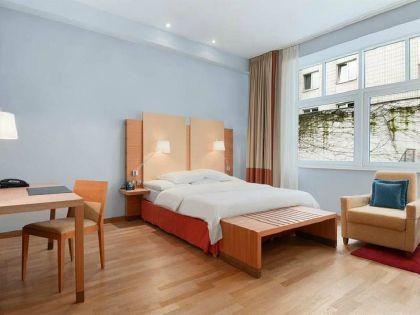 Фото 4* Hilton Cologne
