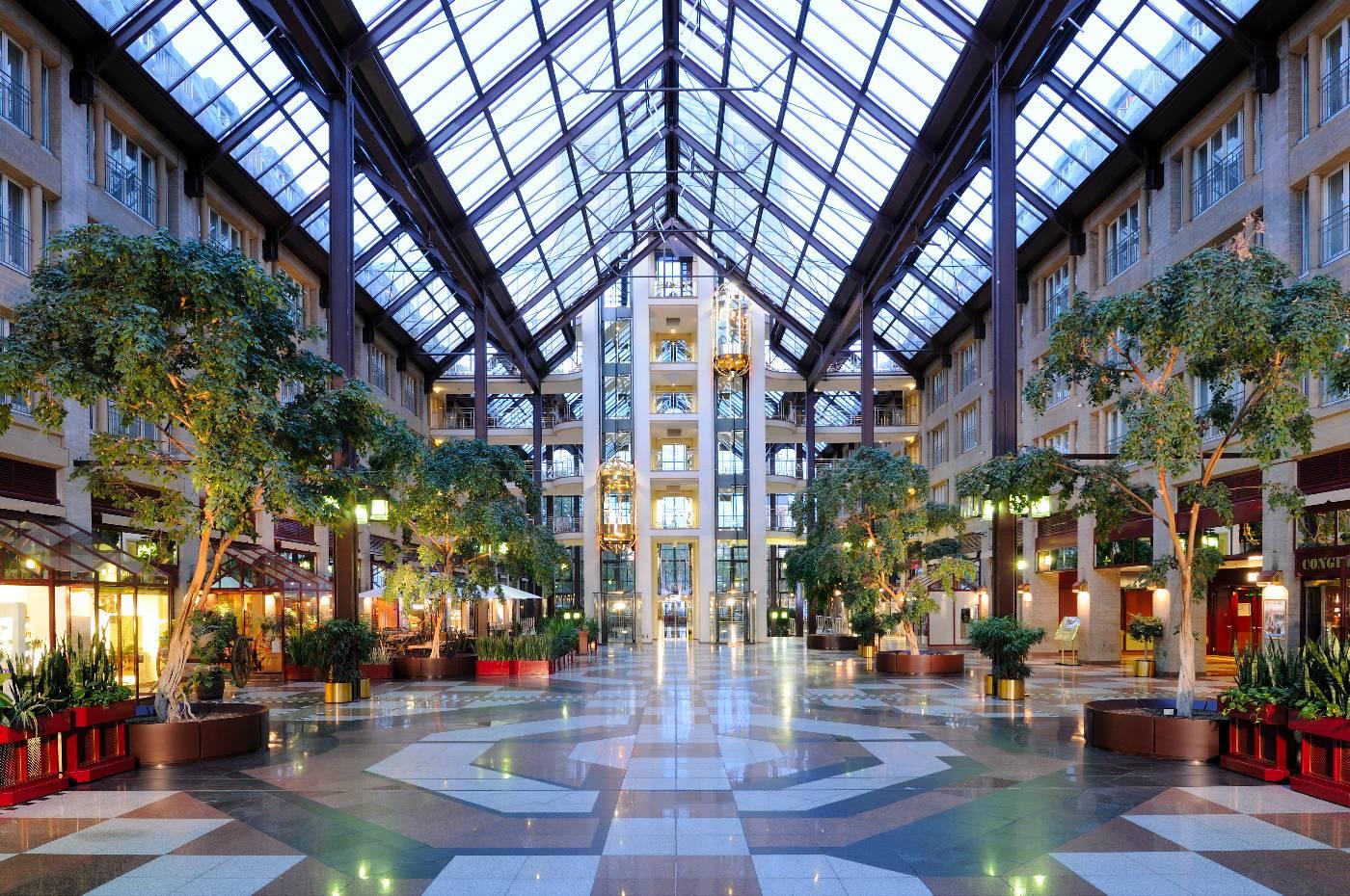 Фото отеля Maritim  3*