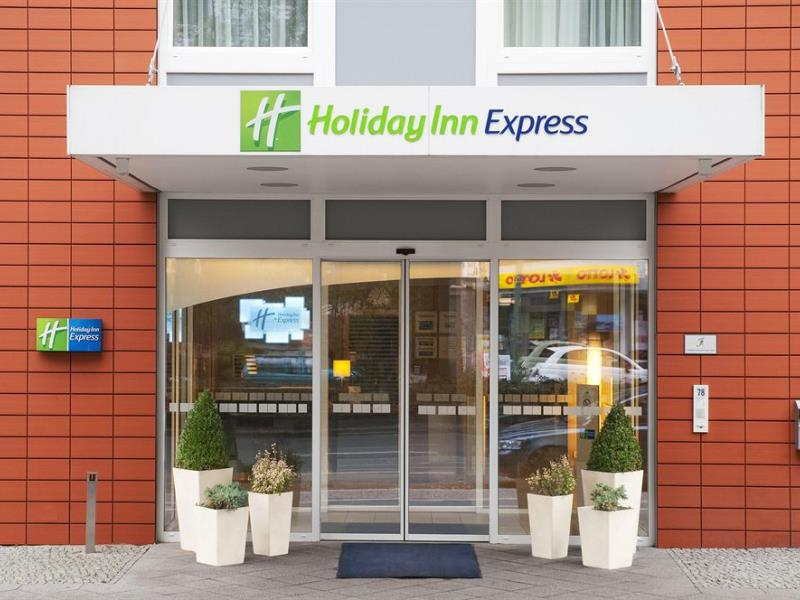 Фото отеля Express By Holiday Inn Berlin City Centre 2*