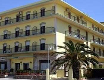 Фото отеля Gabbiano Hotel Numana 2*