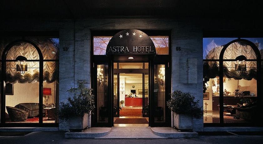 Фото отеля Astra 2*