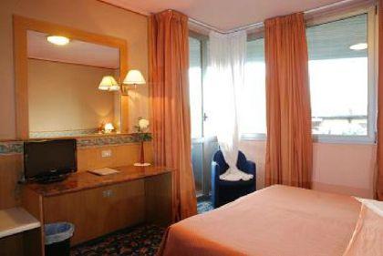 Фото 2* Hotel Oleggio Malpensa
