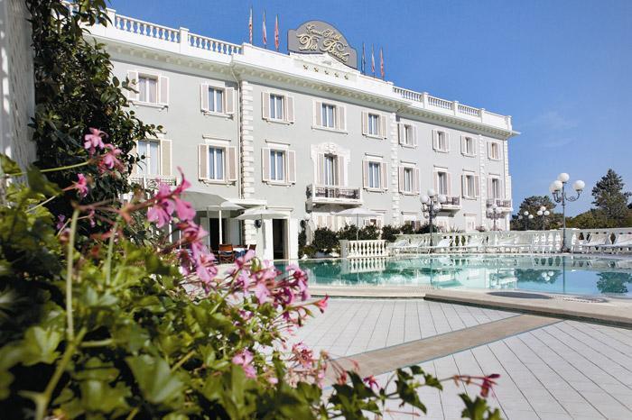 Фото отеля Grand Hotel Des Bains Riccione 4*