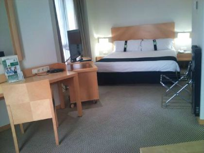 ���� 4* Holiday Inn