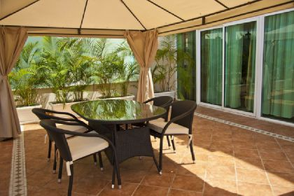 ���� 4* Flamingo Suites