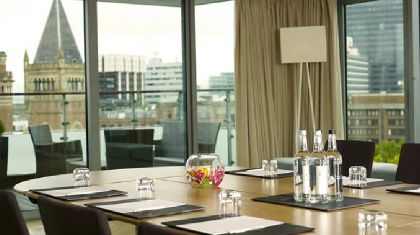 Фото 4* DoubleTree by Hilton Manchester Piccadilly