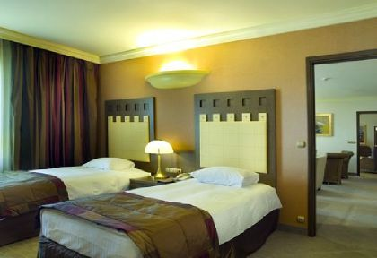 ���� 5* Holiday Inn Attica Avenue