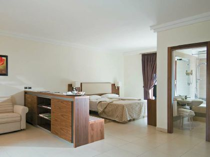 Фото 4* Suites & Residence