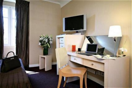 Фото 3* Holiday Inn G.c Auteuil