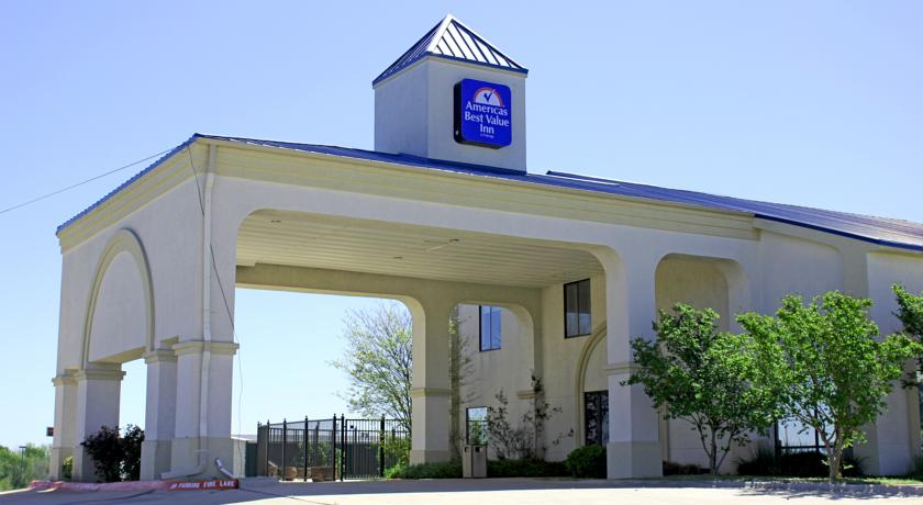 Фото отеля Americas Best Value Inn and Suites Manor - Austin East 2*