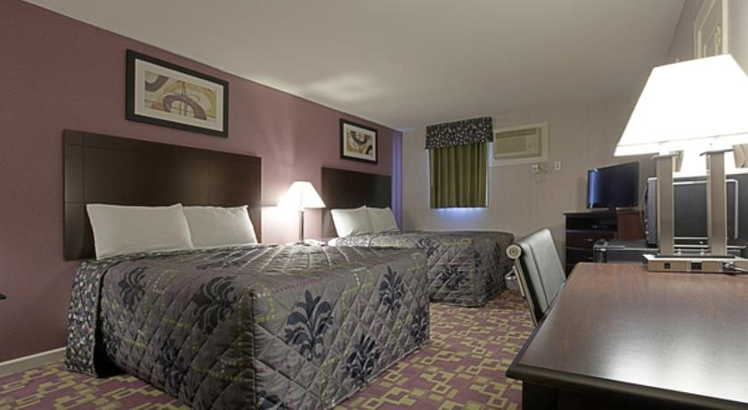 Фото отеля Americas Best Value Inn Holyoke 2*