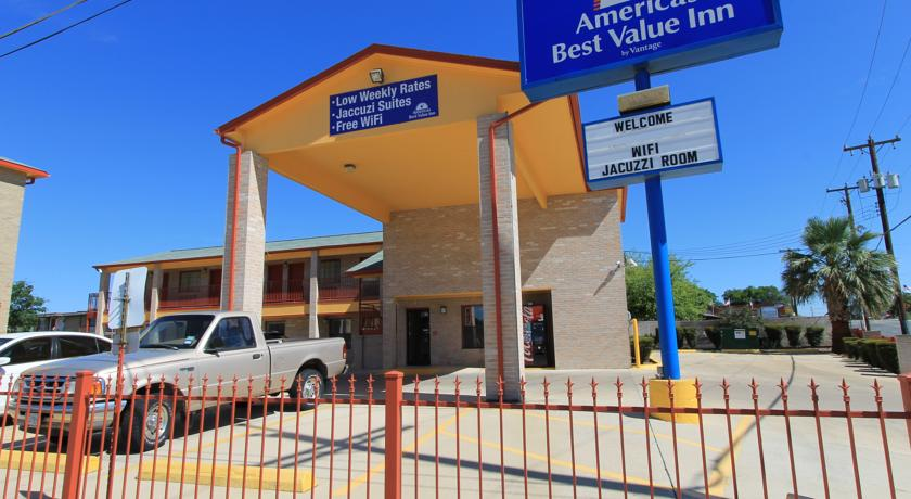Фото отеля Americas Best Value Inn-San Antonio - Lackland Air Force Base 2*