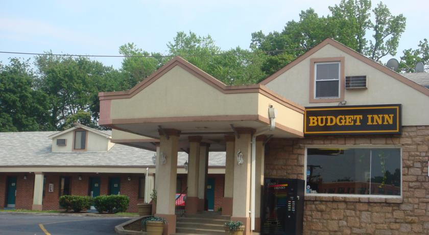 Фото отеля Budget Inn Falls Church 2*