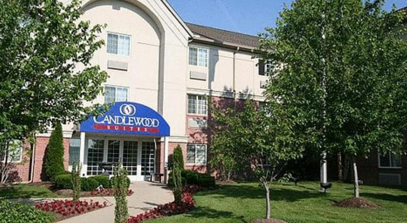 Фото отеля Candlewood Suites Louisville Airport -