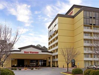 Фото отеля Clarion Inn & Suites By Hampton Convention Center 3*