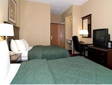 Фото отеля Comfort Inn West Mifflin 2*