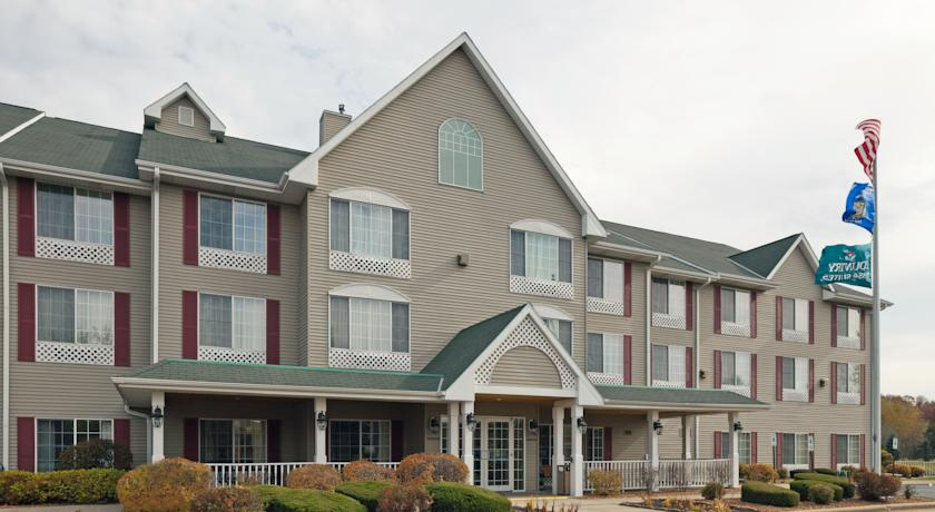 Фото отеля Country Inn & Suites By Carlson West Bend 3*