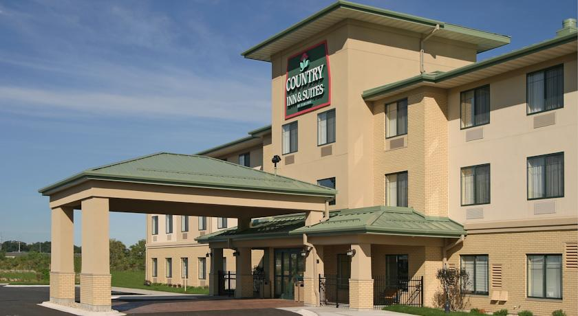 Фото отеля Country Inn & Suites Madison West 2*