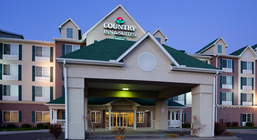 Фото отеля Country Inn & Suites St Paul Northeast 3*