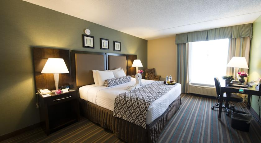 Фото отеля Crowne Plaza Philadelphia Bucks County 3*