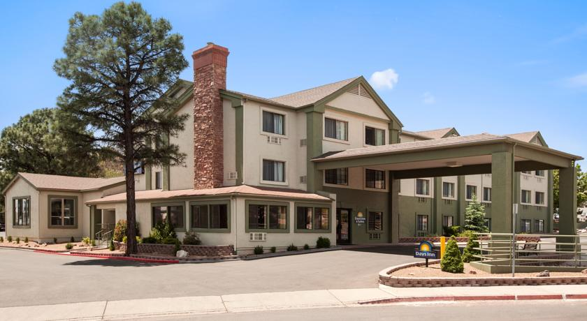 Фото отеля Days Inn And Suites Flagstaff East 2*
