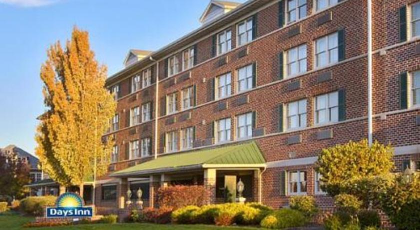 Фото отеля Days Inn Hershey 3*